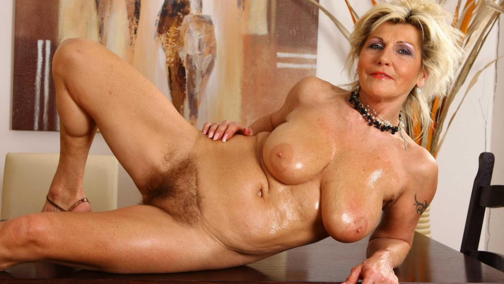 Erotik Foto von nackter Oma aus dem Livechat